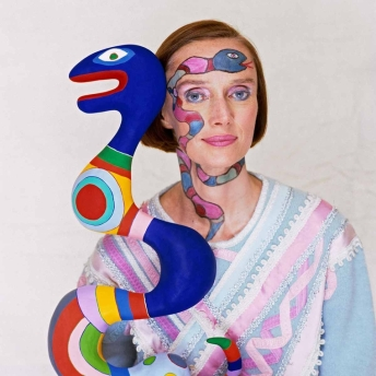niki-de-saint-phalle-with-her-sculpture,-1983_main_image