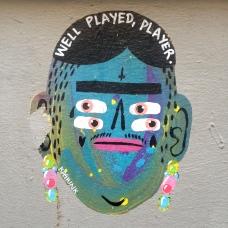 Kashink, Well Played, Player, petit John turquoise et vert (pareil sur le rideau d'une boutique - ouvrez l'œil), 6 rue de Lappe